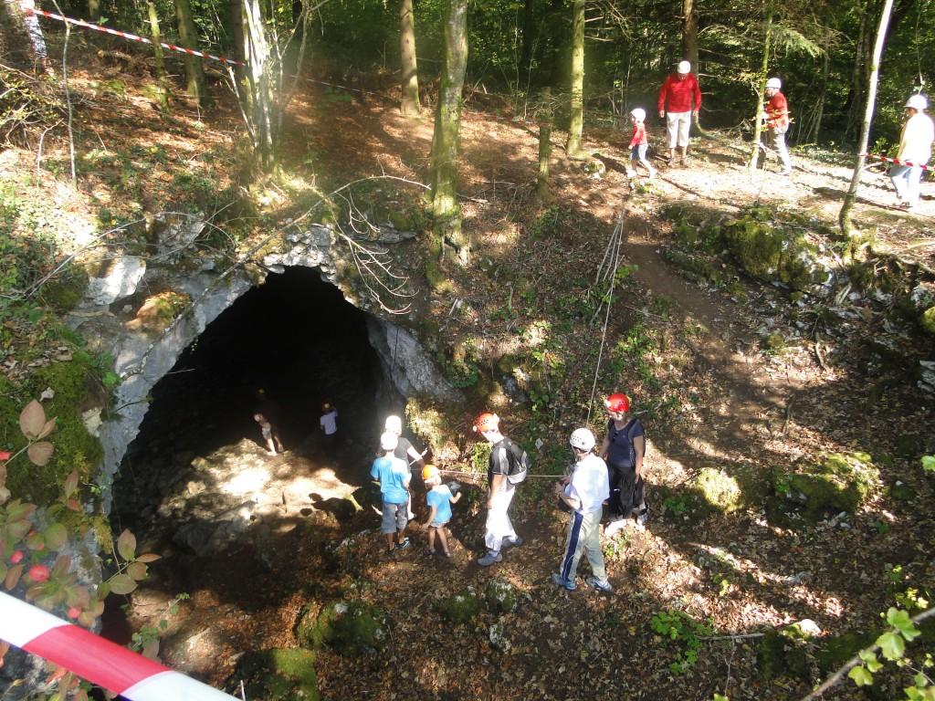 Grotte les Sarrons - Gennes