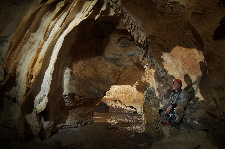 Partie concrétionnée de la grotte