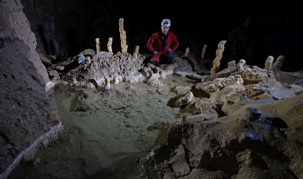 Grotte de la Tourne vers Rochefort (1)