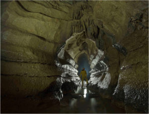 Grotte de la Vieille Folle vers Montmahoux (0)