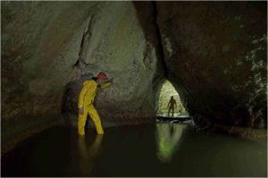 Grotte de la Vieille Folle vers Montmahoux (2)