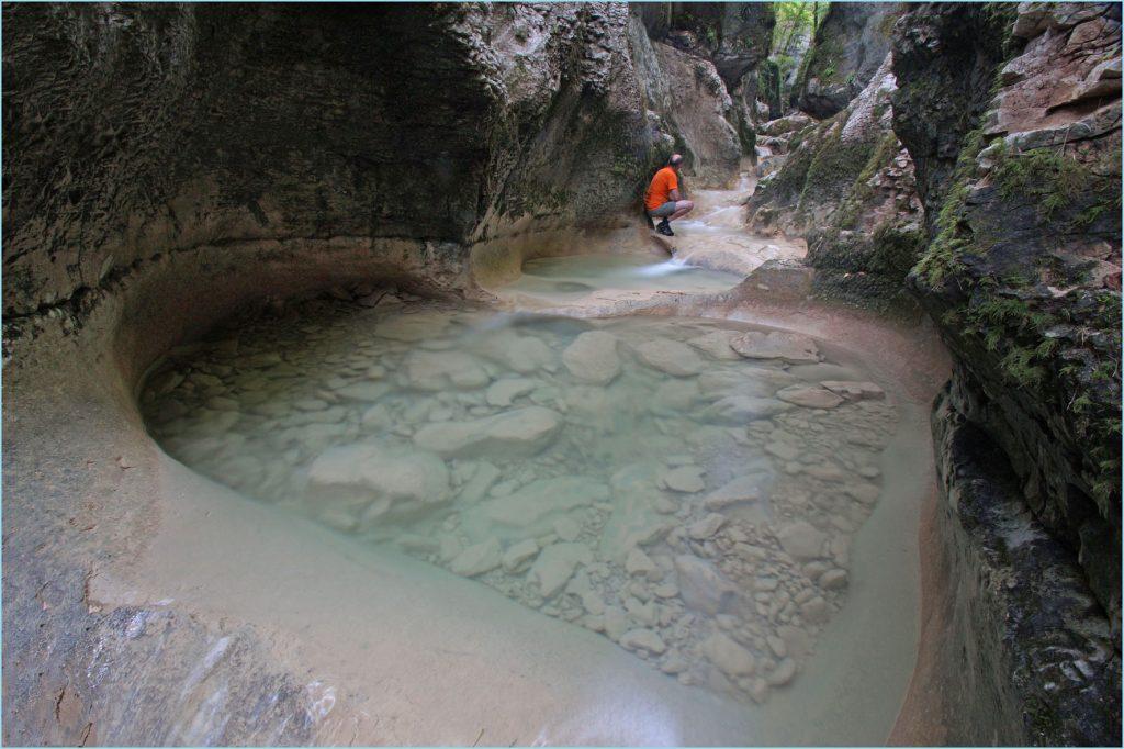 La grande lessive au canyon d'Amondans (6)
