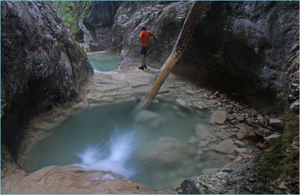 La grande lessive au canyon d'Amondans (8)