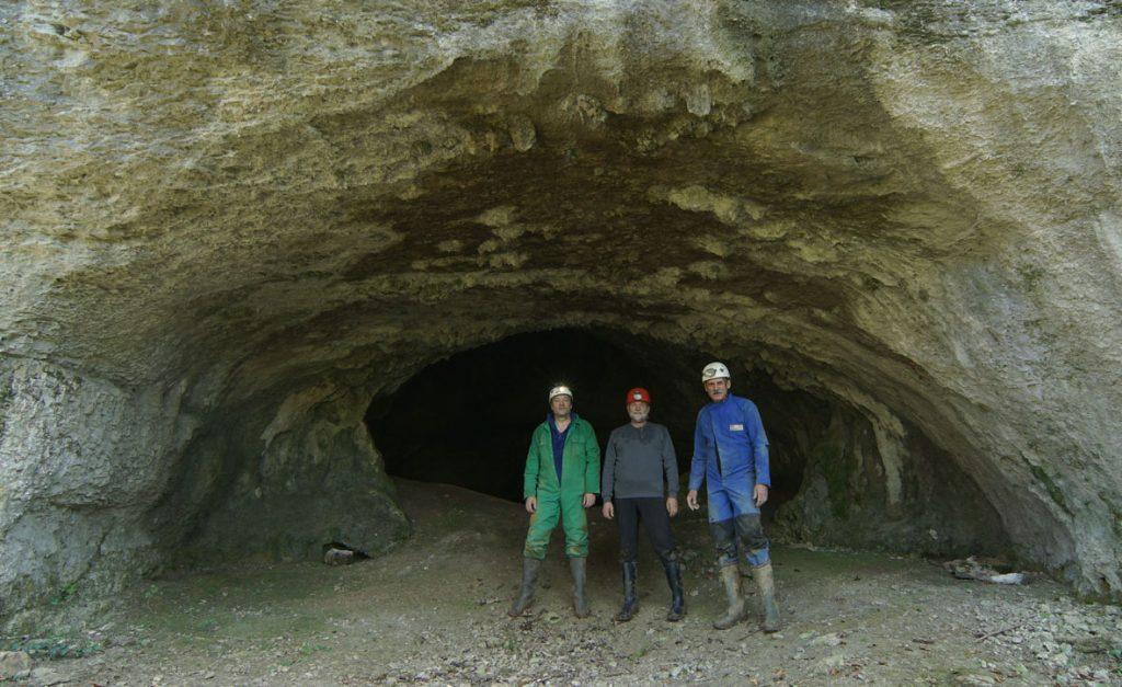 grotte-de-nahin-9